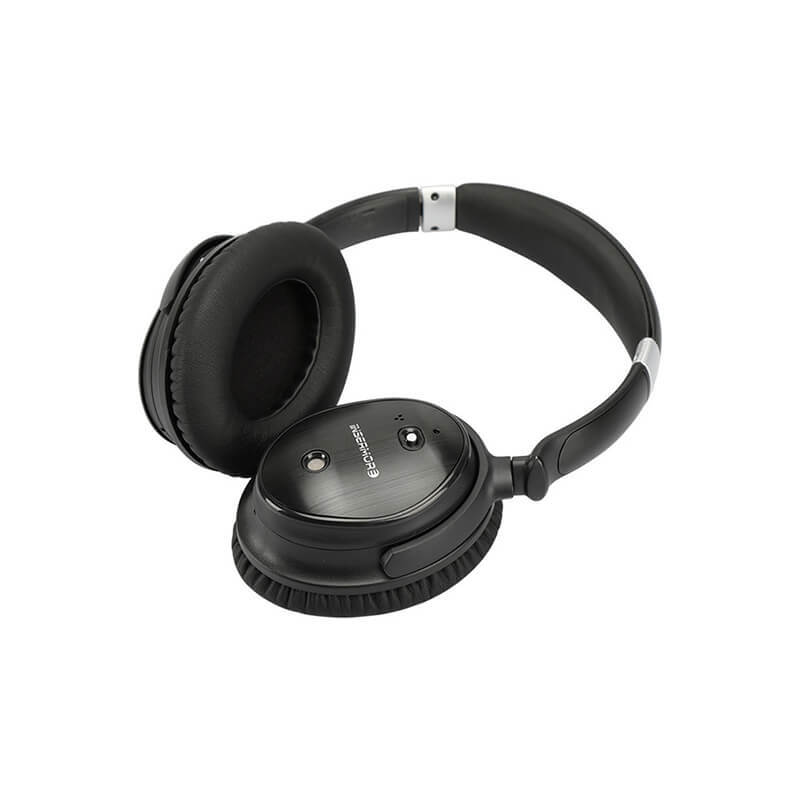 ROYAL TANIC noise cancelling headset promotion for trains-1