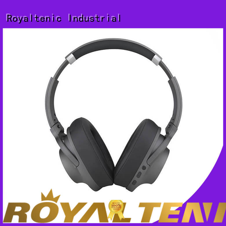 ROYAL TANIC selling anc bluetooth headphones promotion for trains
